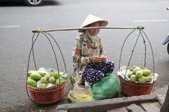 Vietnam-Straßen-Strassenverkäufer Stockbild