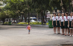 Vietnam-Studenten auf Parade Lizenzfreie Stockfotografie