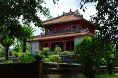 Vietnam - Tint - klein paviljoen bij de Koninklijke Mausolea - Minh Mang royalty-vrije stock afbeeldingen