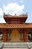 Vietnam - tonalidad - cercano para arriba del tejado decorativo en los mausoleos reales - Minh Mang imagen de archivo libre de regalías