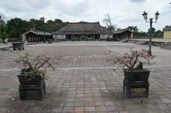 Vietnam - tonalidad - la ciudadela - edificio dentro de la ciudad Prohibida púrpura fotos de archivo
