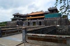 Vietnam - tonalidad - la ciudadela - entrada meridiana foto de archivo libre de regalías