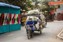 Vietnam trafik en full påfyllning Arkivfoton