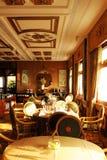 Vietname: O restaurante nobre do telhado de Rex Hotel legendário na Ho-Qui-Ming-cidade fotografia de stock royalty free