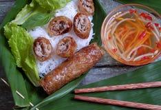 Vietnamees voedsel, de lentebroodje, broodje, chagio stock foto's