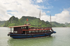 Vietnamese Cruising Boat Royalty Free Stock Photos