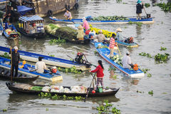 Vietnamese people in Nga Nam floating market Royalty Free Stock Image