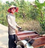 Vietnamese Riksjabestuurder Royalty-vrije Stock Foto's