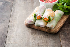 Vietnamese rolls with vegetables, rice noodles and prawns Royalty Free Stock Photography