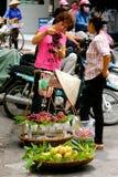 Vietnamesische FrauenStraßenhändler Hanoi Stockfoto