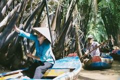 Vietnamesische Ruderboote Lizenzfreie Stockbilder