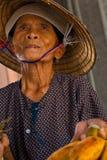 Vietnamesischer Bananen-Verkäufer Lizenzfreie Stockfotos