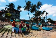 Vietnamesisches Fischerdorf lizenzfreie stockbilder