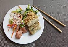Vietnamesisches Frühstück auf einer Platte Stockfoto