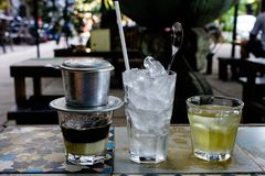 "Vietnamesisches Kaffeemilch †""Sua Da lizenzfreies stockfoto"