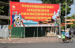 Vietnamesisk fäderneslandframdelaffisch i ton, Vietnam Royaltyfria Bilder