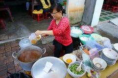 Vietnamesisk gatamat, streetfood, Vietnam, Ho Chi Minh Fotografering för Bildbyråer