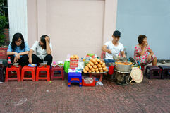 Vietnamesisk gatamat, streetfood, Vietnam, Ho Chi Minh Royaltyfri Foto