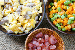 Vietnamesisk mat, stekt ris, asiatiskt äta Arkivfoto