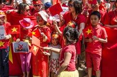 Vietnamesiska barn på protesten Arkivfoto