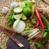 Vietnamesiskt färgrikt bräde för matingredienser Royaltyfri Fotografi