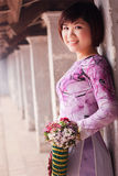 Vietnamesiskt folk ao dai Arkivfoton