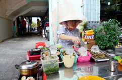 Vietnmese ludzie gotuje skorupę Fotografia Stock