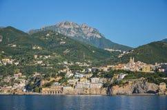 vietri sul母马海滩,意大利美丽如画的夏天风景  图库摄影