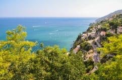 vietri sul母马海滩,意大利美丽如画的夏天风景  免版税库存照片