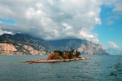 Vieuw en Torbole en el lago Garda, Italia Imagenes de archivo