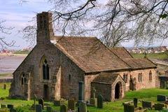 Vieux église et cimetière Image libre de droits