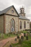 Vieux église et cimetière Photos stock