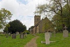 Vieux église et cimetière en Angleterre, R-U Image libre de droits