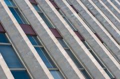 Vieux étages de construction avec des hublots Photographie stock