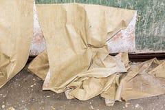 Vieux abaissé papier peint sale image stock
