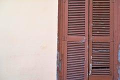 Vieux abat-jour du soleil de fenêtre Photos libres de droits