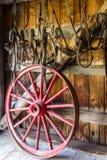 Vieux accessoryes de cheval de village et d'antiquité dans dix-neuf villes de siècle Photos stock