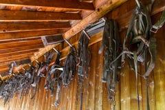 Vieux accessoryes de cheval de village et d'antiquité dans dix-neuf villes de siècle Images stock