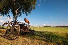Vieux agricoles fertilisent la machine, photographie stock libre de droits