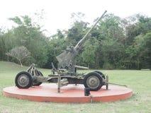Vieux antiaérien d'armée d'arme à feu d'artillerie Photo libre de droits