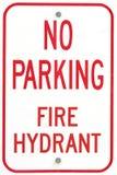 Vieux aucun signe de bouche d'incendie de stationnement Images stock