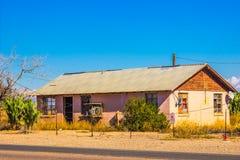Vieux bâtiment abandonné dans le désert de l'Arizona Images libres de droits