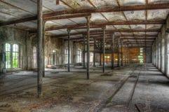 Vieux bâtiment abandonné dans une usine Photo stock