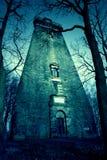 Vieux bâtiment abandonné par épave hanté Photographie stock