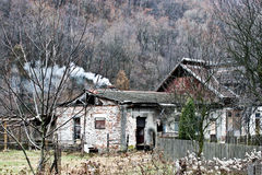 Vieux bâtiment détruit par temps images libres de droits