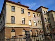Vieux bâtiment d'un orphelinat abandonné Photos libres de droits