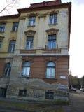 Vieux bâtiment d'un orphelinat abandonné Images stock