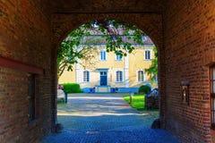 Vieux bâtiment dans Bedburg-Kaster, Allemagne Photos libres de droits