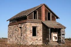 Vieux bâtiment de grange avec la brique Photographie stock libre de droits