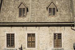 Vieux bâtiment fleuri de la vieille section de ville de Québec, Canada photo stock